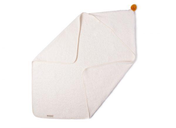 so-cute-baby-bath-cape-white-hanging-capa-blanca-bain-cape-blanc-nobodinoz-lecrazykids